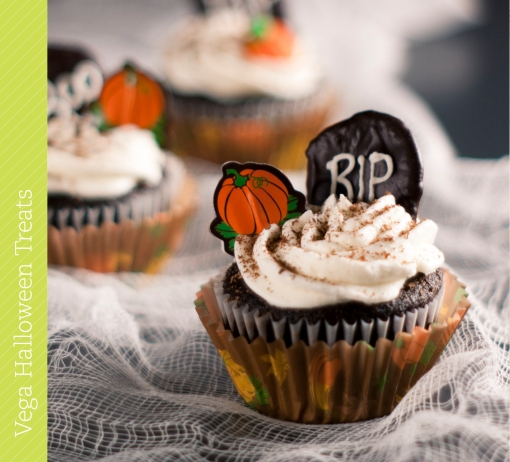 0785 Vega Halloween Recipe Book.indd